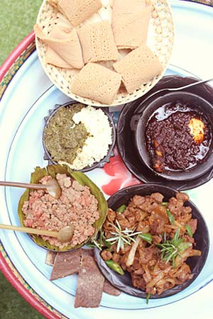 Starter (injera with cattage cheese), Doro Wot, Lamb Tibs, Kitfo